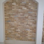 קיר מעוצב בריקים טרוורטין מיקס
