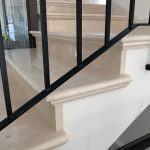 מדרגות שיש פנים הבית